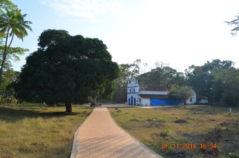 Cabo De Rama fort is housing a beautiful Saint Antony church which is still used by the local devotees